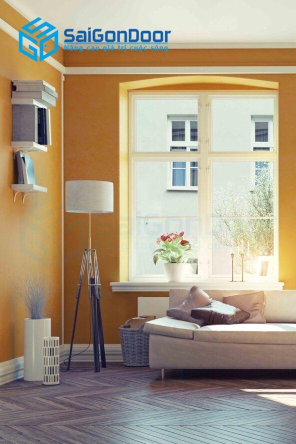 Cửa sổ mang lại sự tươi tắn của ánh nắng buổi sáng của căn phòng ngủ
